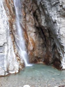 La cascata del Cenghen 225x300 - COSA FARE